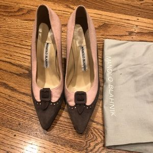 Manolo Blahnil pink pumps